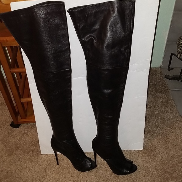 62b8bdd6d21 Tony Bianco Alicia Luxe over the knee boots. M 5b876a8a34a4ef4d3d80fabb